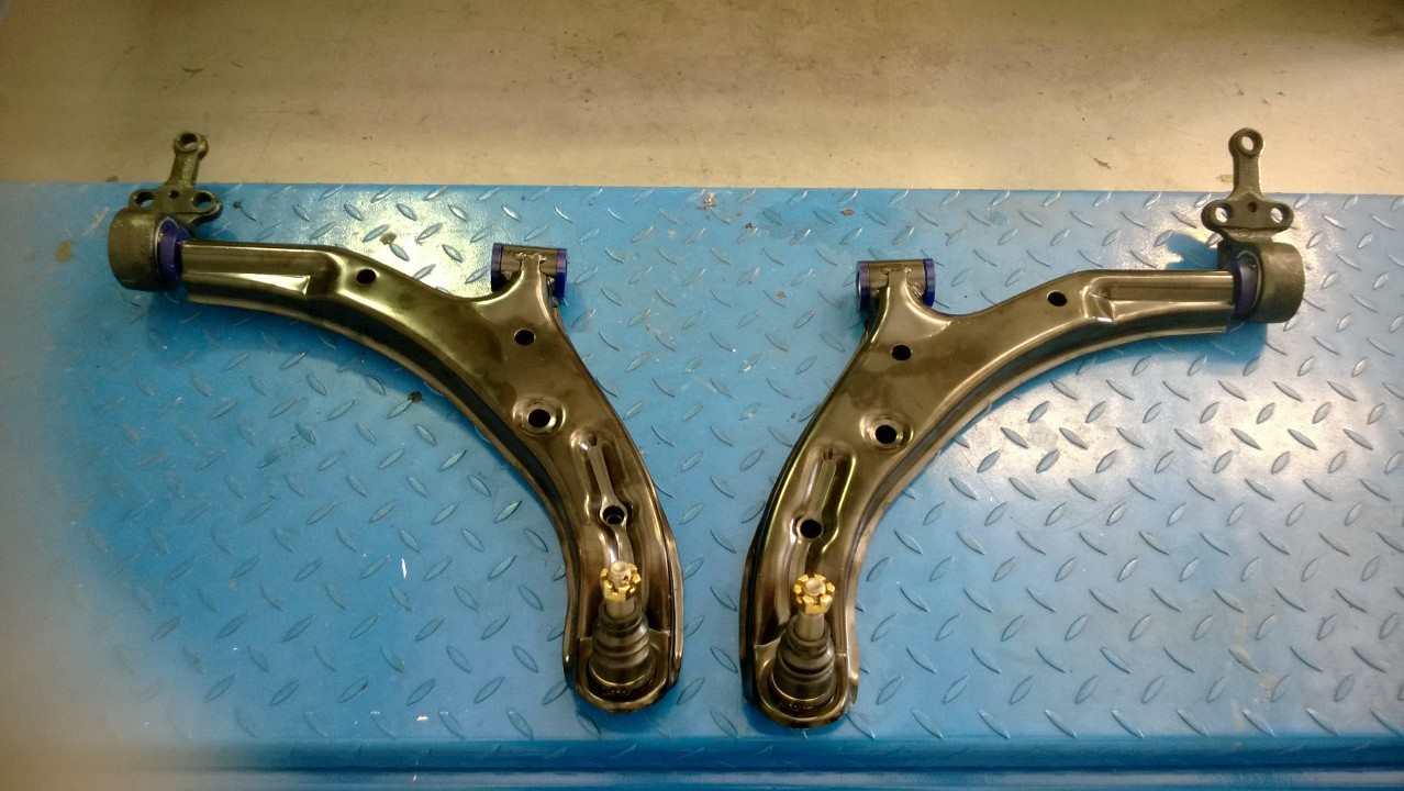 2JR Lower Control Arms with SuperPro Bushings